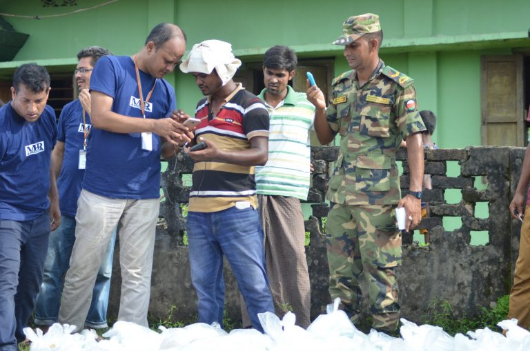 distribute relief in Rohingya project